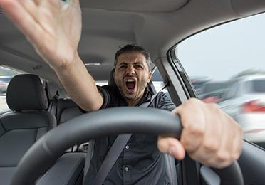 Kako da se nosite s agresivnim vozačima